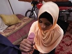 Teenage arab slut deepthroat a huge cock like a professional