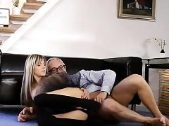 Glam eurobabe assfucked in fancy threeway