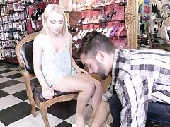 Blonde teenagers feet nutted