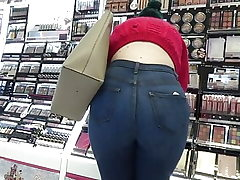 Candid thick ass teen in tight denim & footwear
